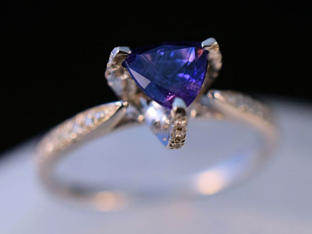 Rs0174 Blue Sapphire Ring (SOLD)