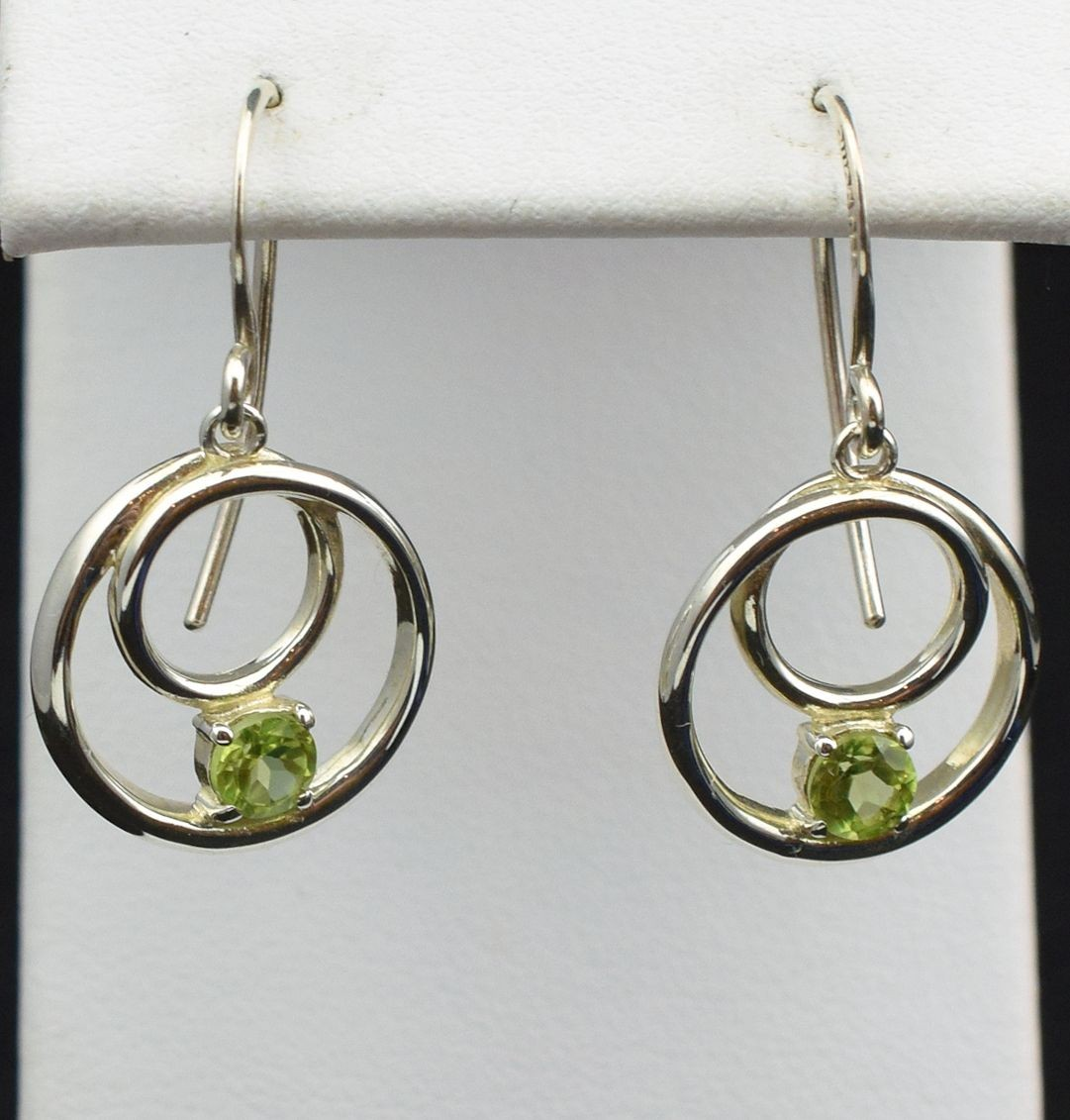 Es 0281 Peridot and Sterling Silver Earrings (SOLD)