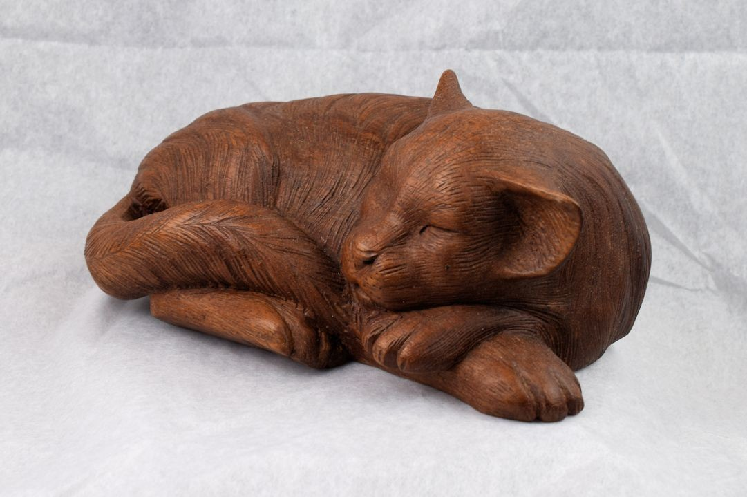 HD0301 Chinaberry Wood Carved Cat