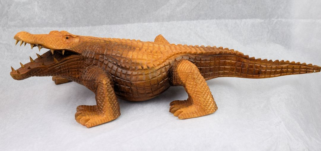 HD0305 Chinaberry Wood Carved Alligator (SOLD)