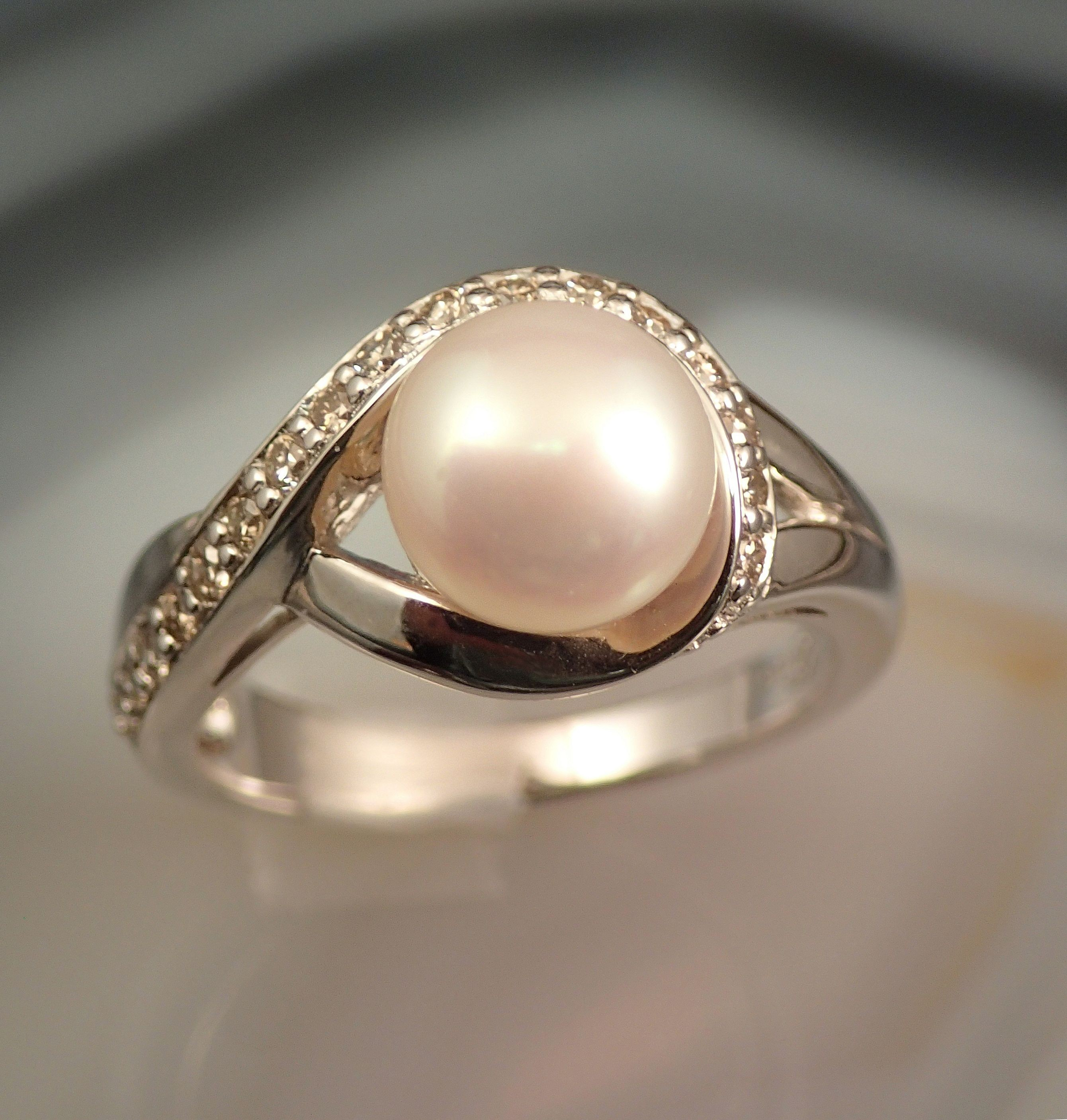 Rs0155 Pearl and Diamond Ring in Sterling Silver (SOLD)