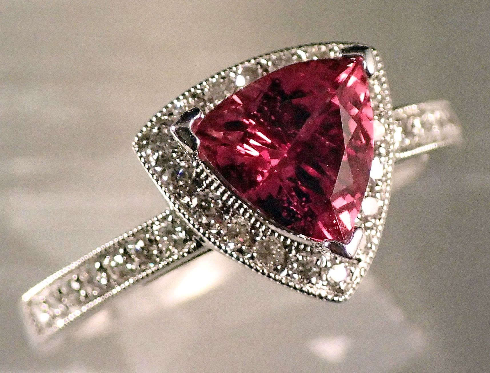 RG0045 - Red Spinel with Diamonds in 18K White Gold Ring