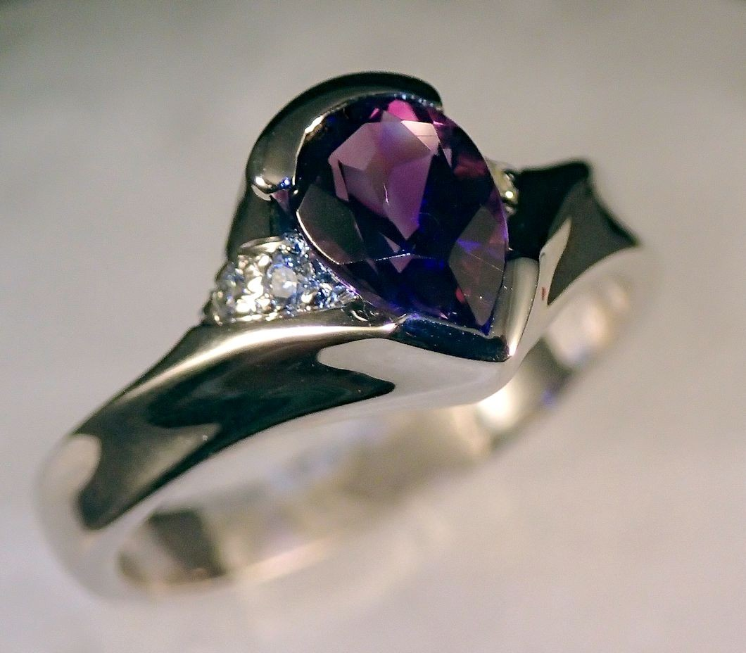 RG0046 Amethyst and Diamond Ring in 14K White Gold (SOLD)