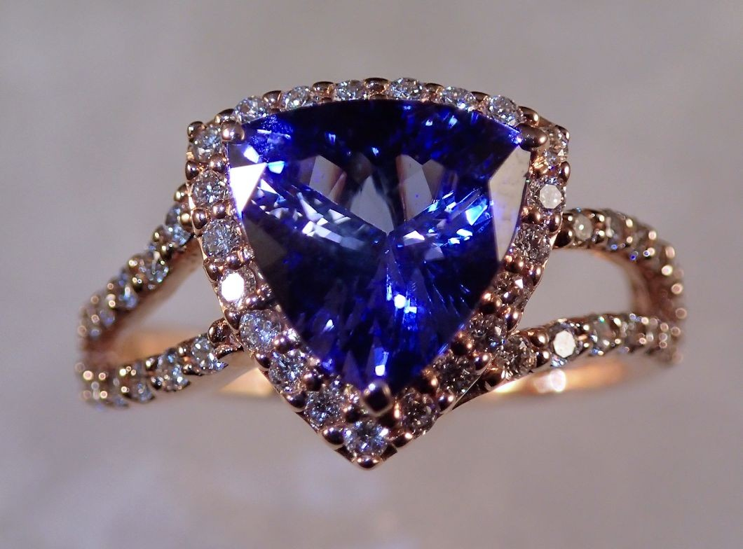 RG0048 Tanzanite and Diamond Ring in 14K Rose Gold (SOLD)