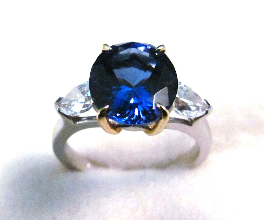 RG0021 - Tanzanite and Diamond Ring in Platinum and 18K Gold (SOLD)