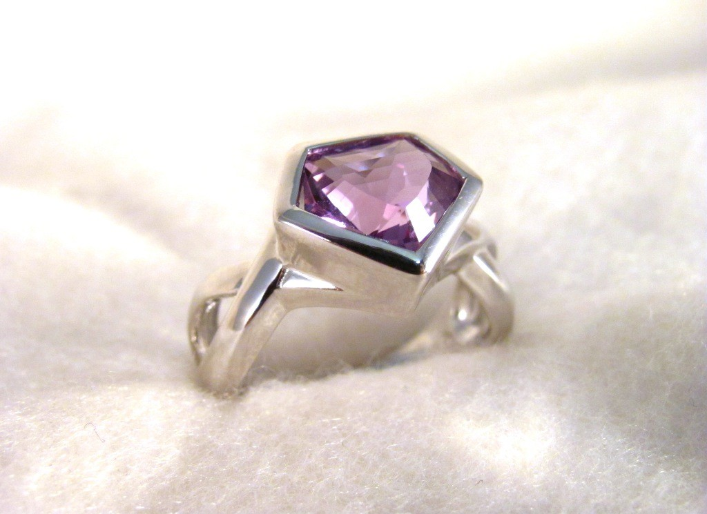 RS0119 - Amethyst Ring in Sterling Silver (SOLD)